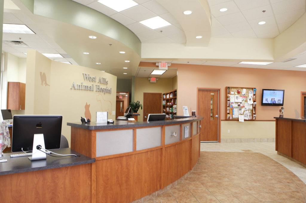 West Allis Animal Hospital Front Desk